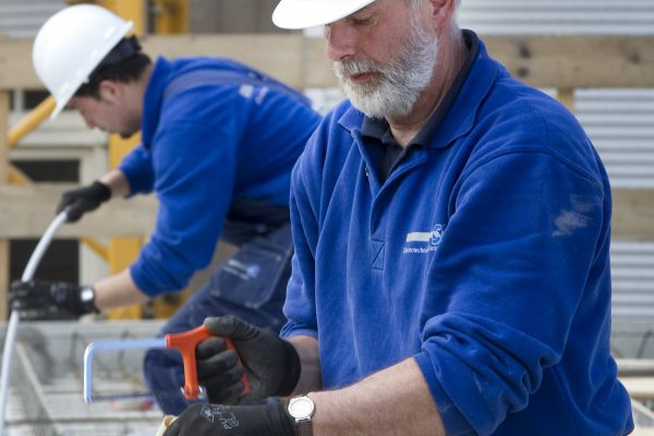 Het aanleggen van elektrische leidingen in nieuwbouwwoningen